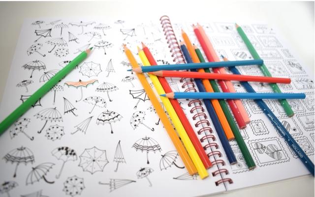 色鉛筆できれいに塗り絵をする
