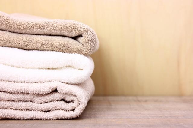 タオルをたたむ