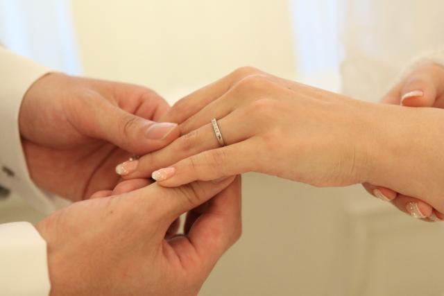 結婚の約束をする