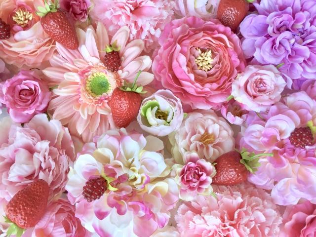 満開の花がたくさんある花屋