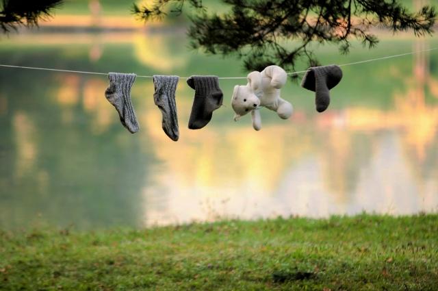 川の水で洗濯