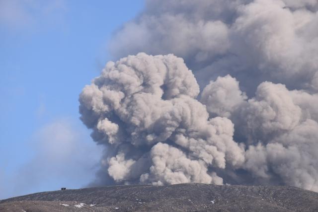 山が噴火する
