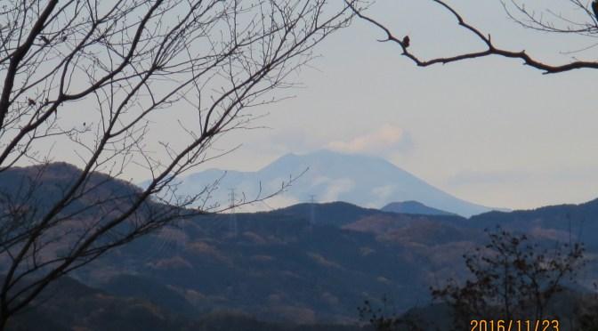 仙元山は雲の中