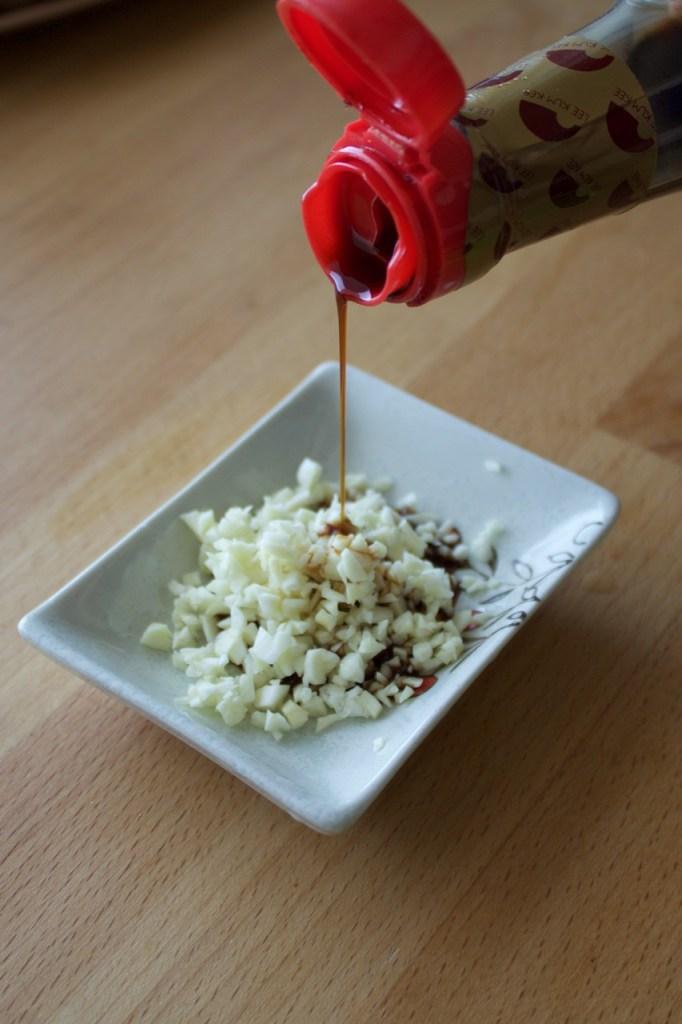 How to make garlic sauce