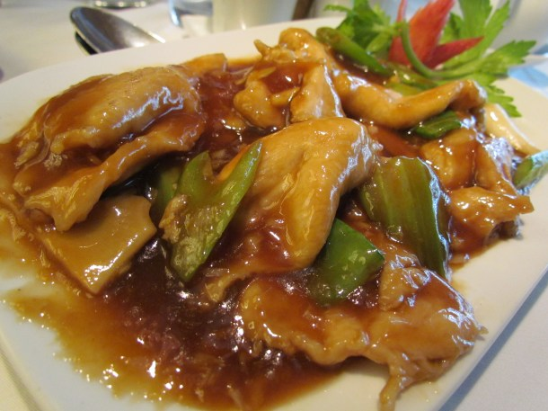 Sautéed sliced Chicken with oyster sauce