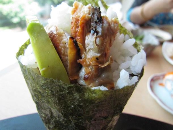 Temaki sushi – Eel & avocado hand roll