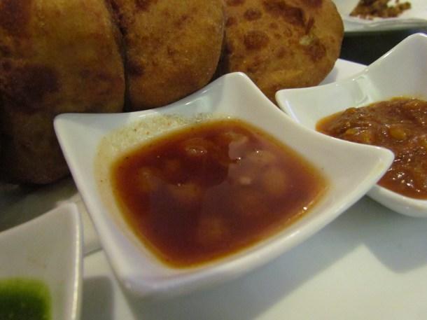 tamarind chutney with kishmish