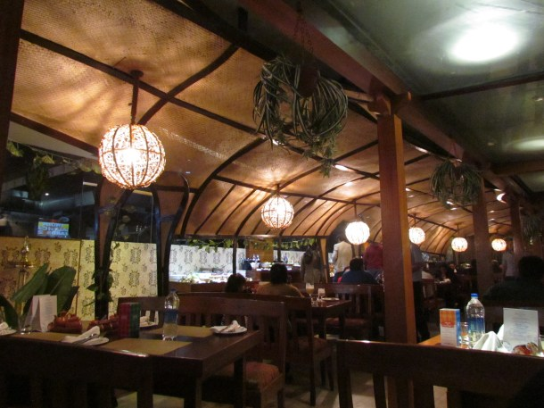 Inside the Houseboat look dining hall