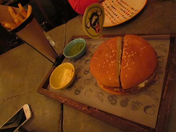 Bacon mobar burger