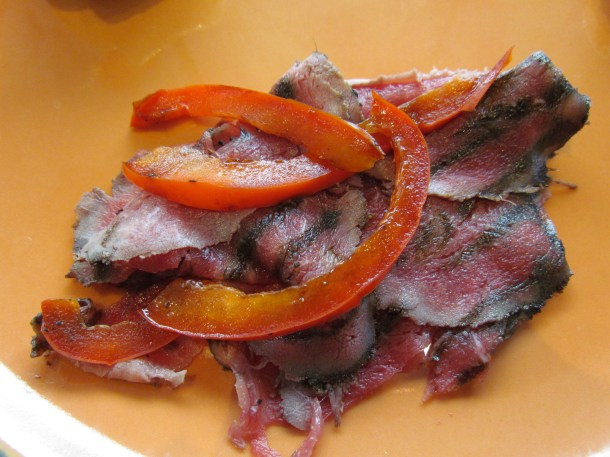 Beef and bell pepper salad