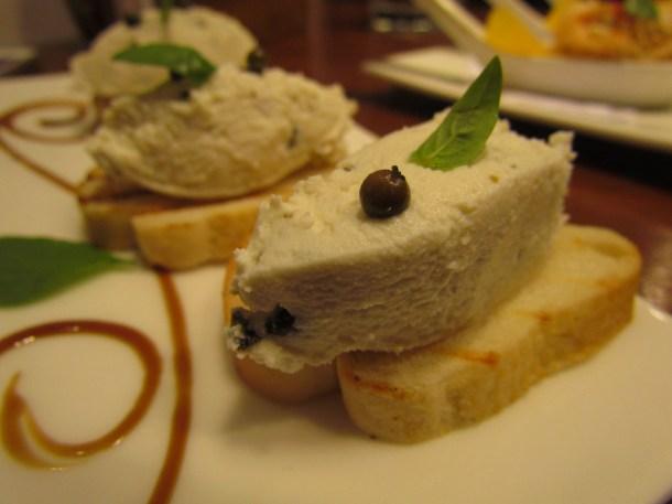 Peppered goat cheese crostini