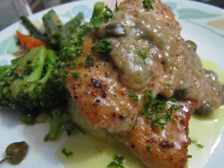 Ledeberg river sole fish, sautéed vegetables and mashed potatoes