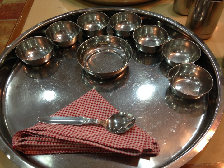 thalis & bowls that arrive at the table