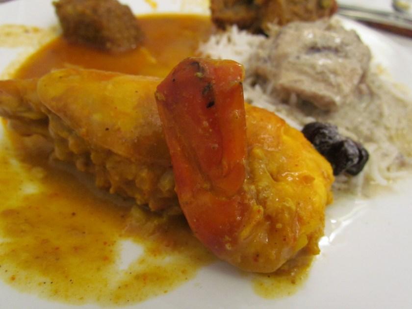 Golda chingrir malai curry