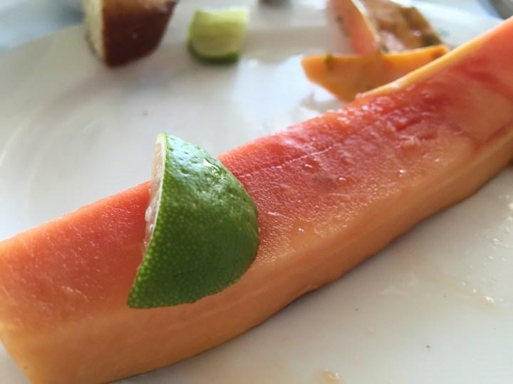 Papaya with a wedge of lemon