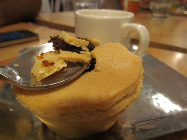 X mas pie with creme anglaise