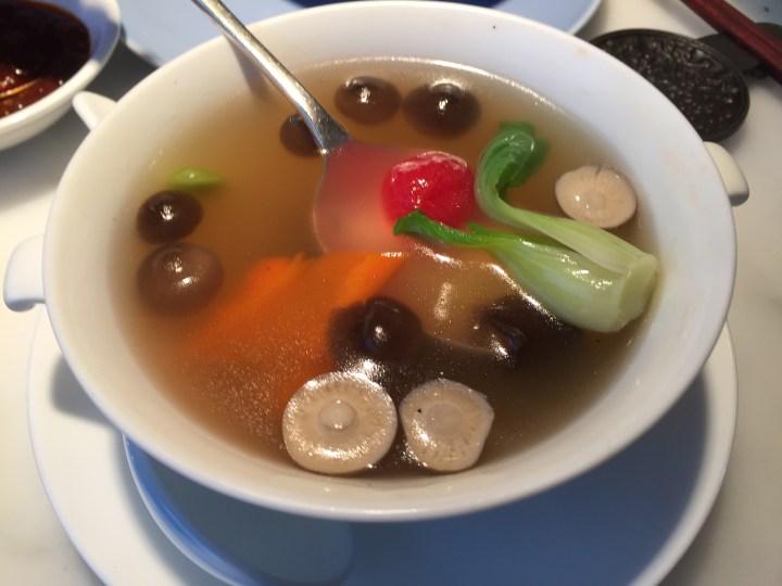 Clear Soup with Shimeji mushroom & pakchoy