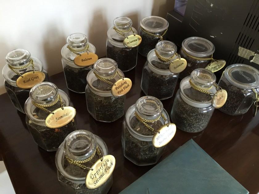 different kinds of darjeeling tea leaves