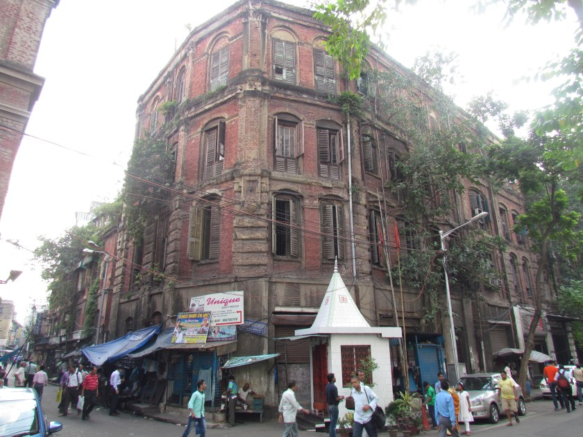 Old building at the crossing - diagonally opposite to Jalebiwala