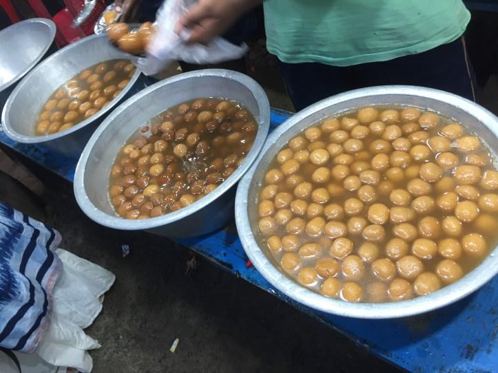 3 varieties of roshogollas