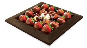 strawberry-dipped-in-choco
