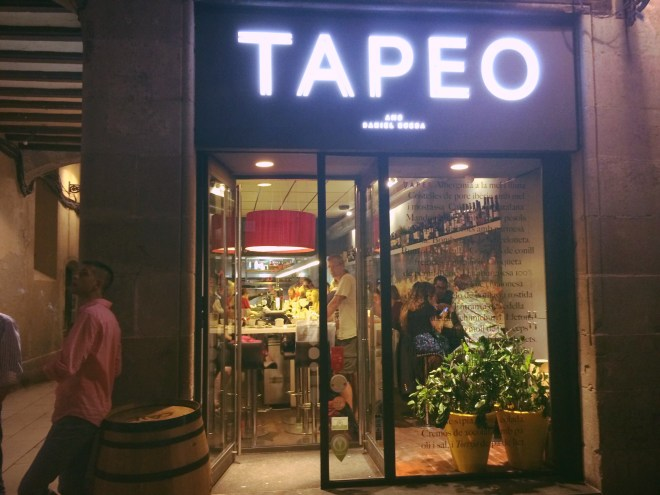 Tapeo Born, Anem de Tapes