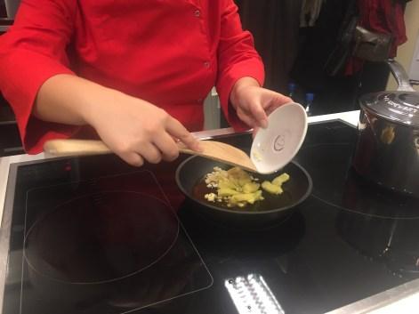 cómo hacer ramen ajo jengibre