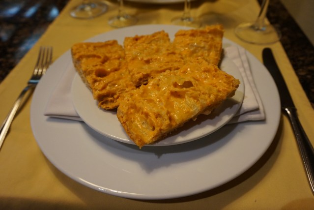 restaurante roma pan con salmorejo