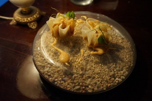 restaurante el pla Dumpling de col y nabo relleno de pisto y puré de piñones