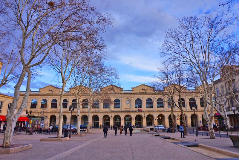 visita a les halles de Nîmes