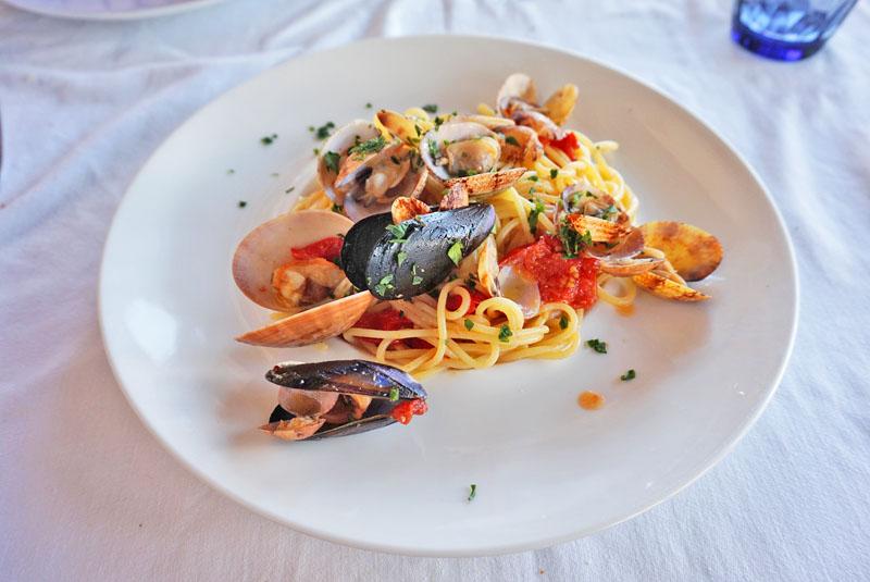 la scialuppa restaurant Spaghetti ai frutti di mare