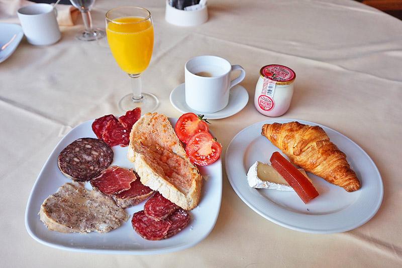 desayuno hotel empordà el motel
