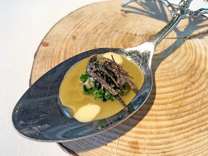 El Celler de Can Roca aperitivos 2020 Col, trufa y anchoa