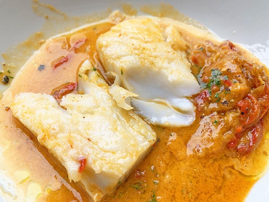 Amaica Restaurant bacalao con piparra