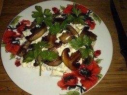 Салат с крабовыми палочками и огурцом - простой и вкусный ...