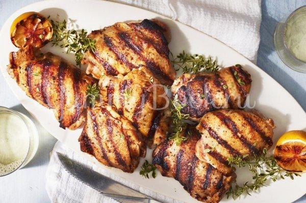 Куриные бёдра под маринадом на гриле - простой и вкусный ...