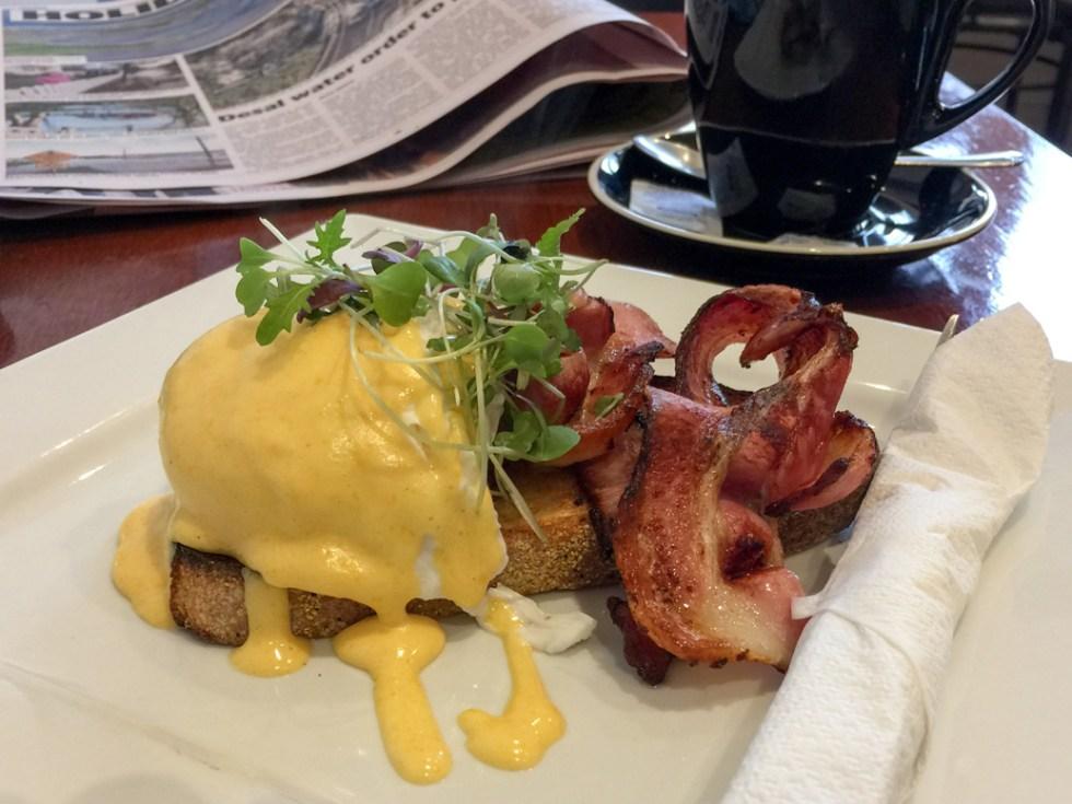 Eggs Benedict Pall Mall Café road trip to Bendigo