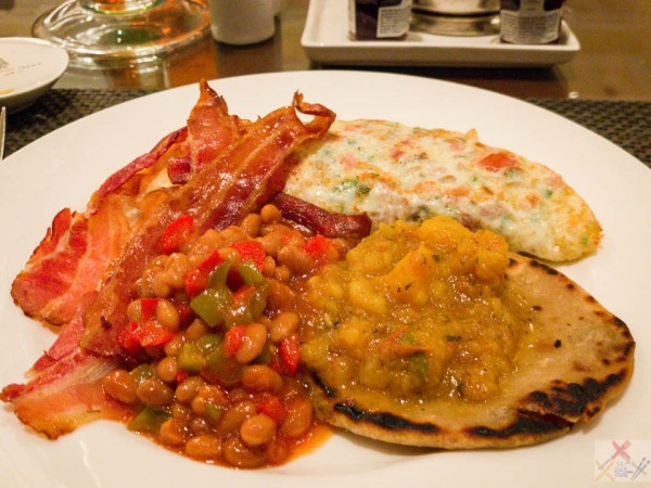 TGIF my last breakfast. Aloo Bhaji on paratha meets my spicy baked beans, cheese and chilli 🌶 omelette with bacon alimentary tract Gary Lum