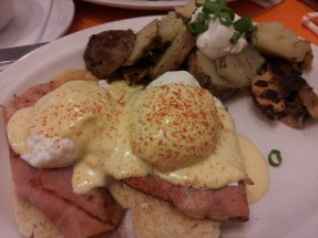 Eggs Benedict from Jelly