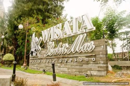 Papan Wisata Bukit Mas yang terdapat didepan kompleks
