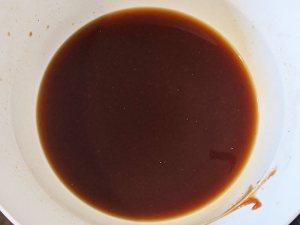 Recette de la sauce tonkatsu - etape 1 - mélange des ingrédients de la sauce