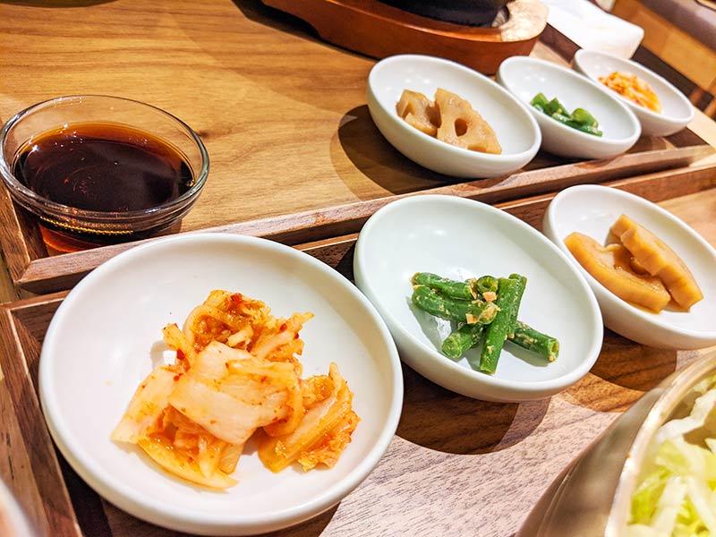 banchan au restaurant lyonnais sinabro