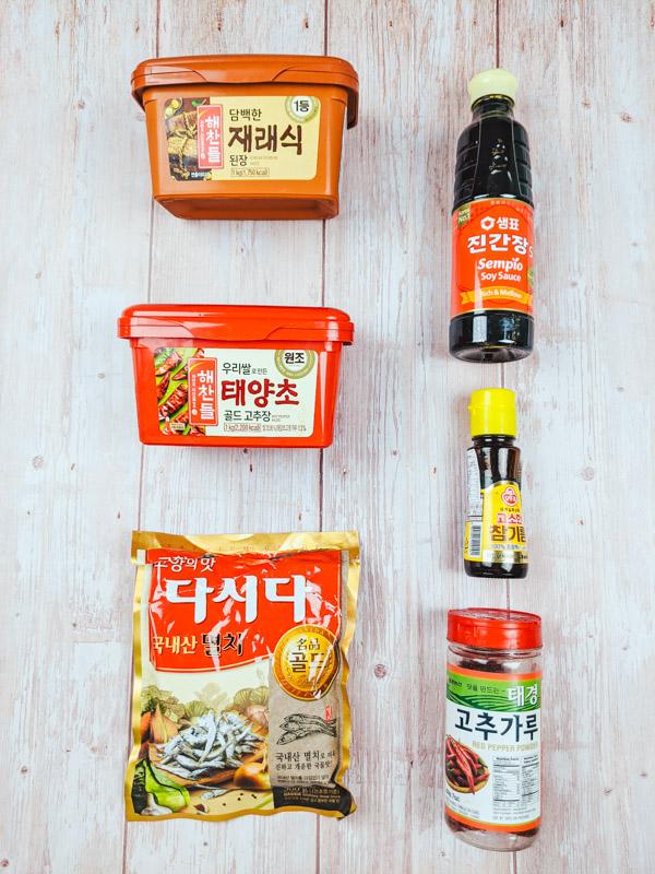 ingredients coreens indispensables a avoir dans sa cuisine pour cuisiner coreen en toute circonstance