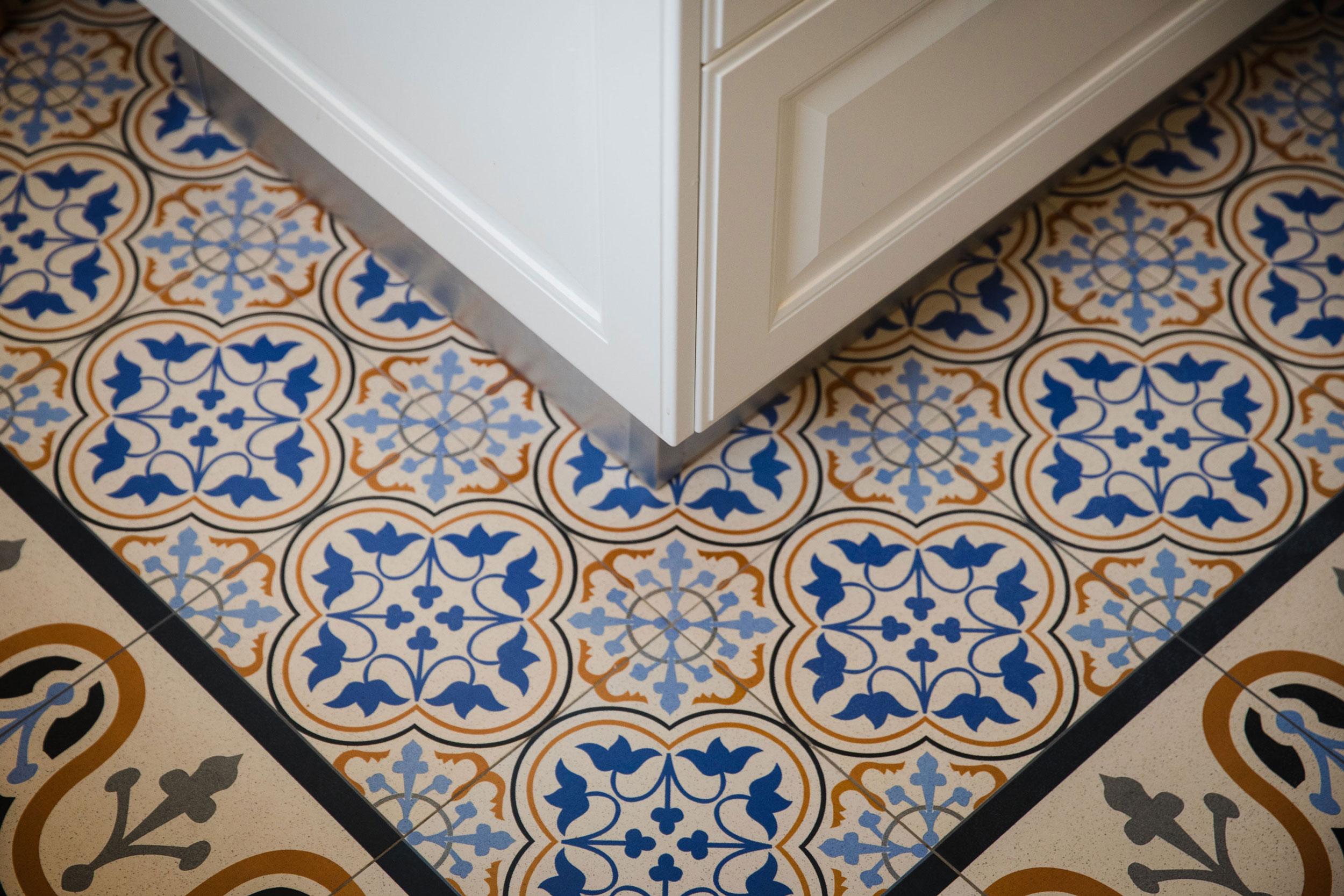 Tile carpet design details