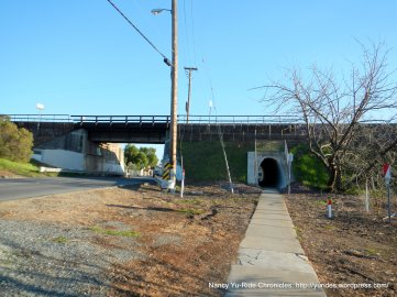short tunnel on Morello-Martinez