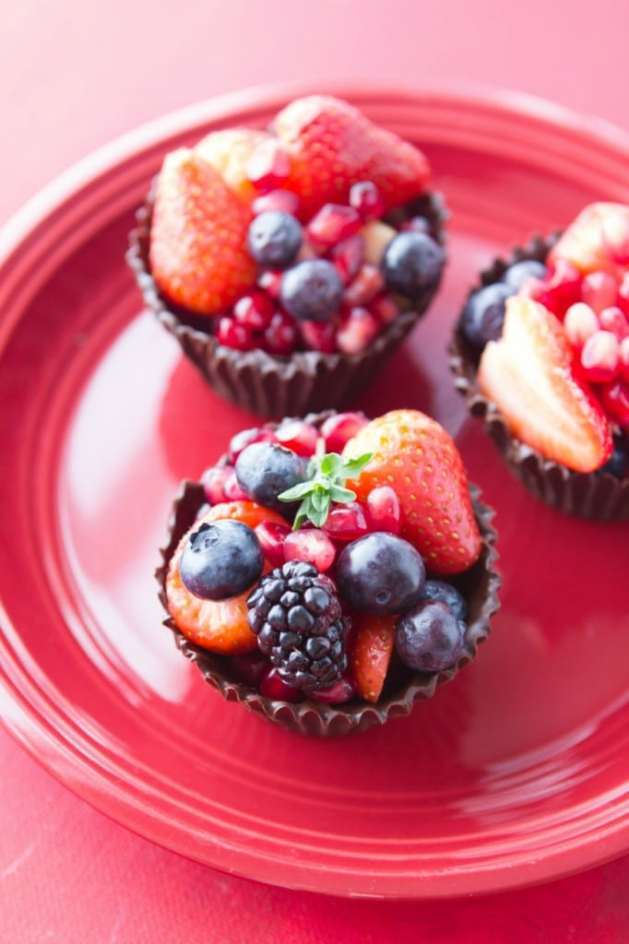 Healthy Valentines Berry Cups