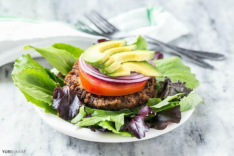 5-Ingredient Black Bean Quinoa Burger Recipe
