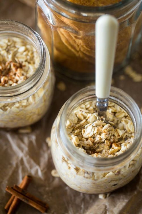 Snickerdoodle Vegan Overnight Oats via Food Faith Fitness