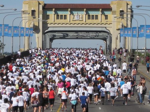 Vancouver Sun Run 2010 - Burrard Bridge