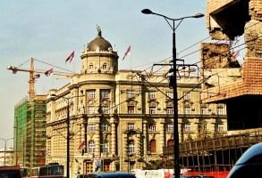 Yuri Martins Fontes / Sérvia-2007 / Belgrado: Reconstrução de edifícios centrais destruídos pelos bombardeios dos EUA durante dois meses, em 1999.